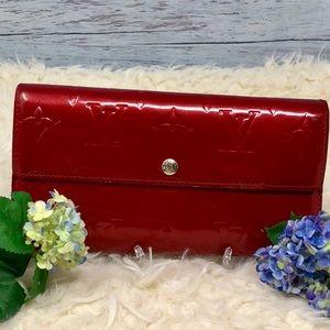 Authentic Louis Vuitton Vernis Sarah Long Wallet